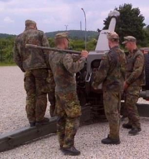 German MAT training on the D-30 122mm Howitzer at JMRC Hohenfels, Germany